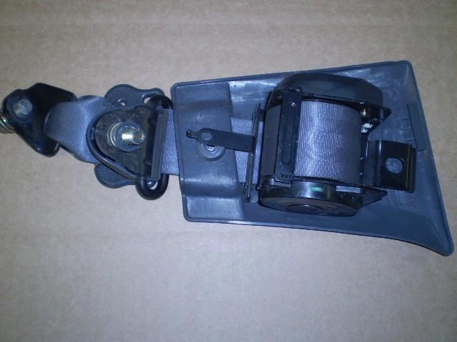 Daihatsu Mini Truck Hijet Mini Truck Right Front Seat Belt Used S83