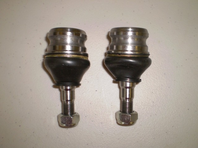 Subaru Sambar Mini Truck Front Ball Joint Pair KS4 KV4